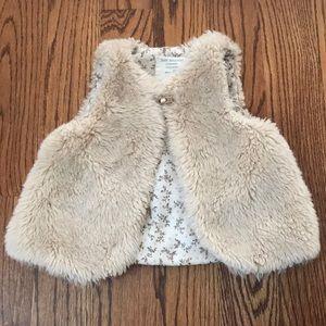Zara GUC faux fur vest size 2-3yrs